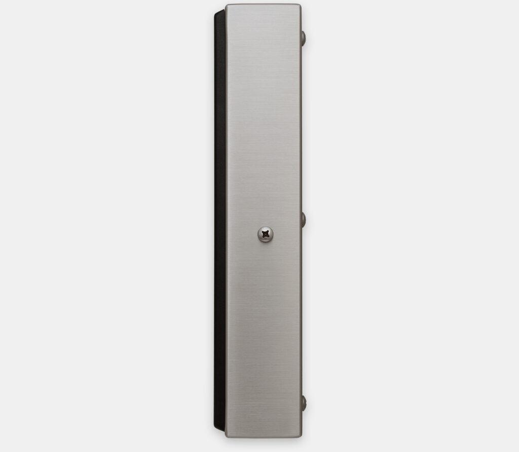 19,5-Zoll-Breitbild-Industriemonitore mit Universalhalterung und robuste Touchscreens nach IP65/IP66, Seitenansicht