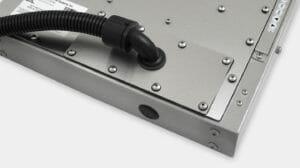 Option für Kabelkanalausgangsabdeckplatte gemäß Schutzart IP65/IP66 für Industriemonitore für universelle Befestigung